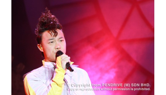 [GALLERY] (DUO) Eason Chan Live Malaysia 2011